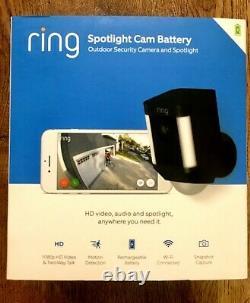 New Ring Spotlight Cam Battery-Powered Security Camera Black (8SB1S7-BEN0)